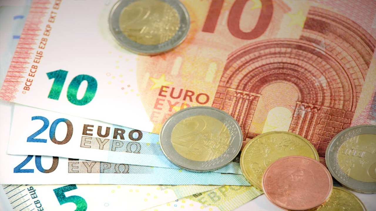 Director of Revenue, European City – Position on hold