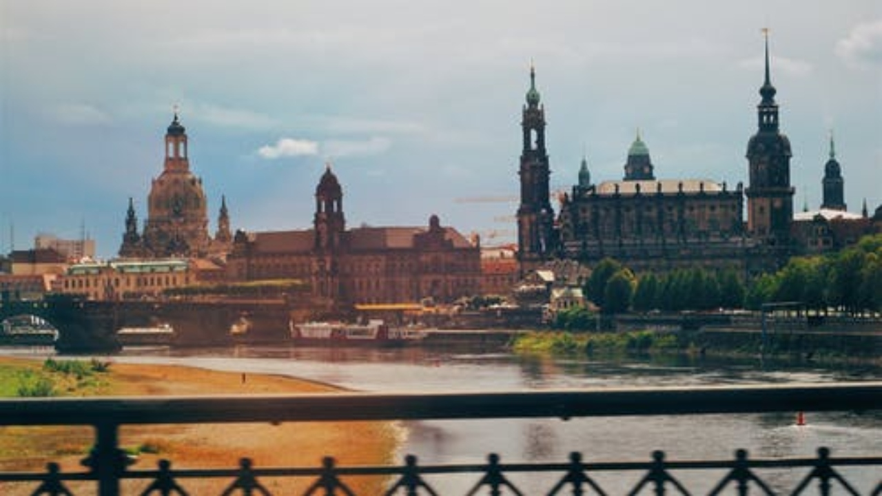 Human Resources Director, Dresden